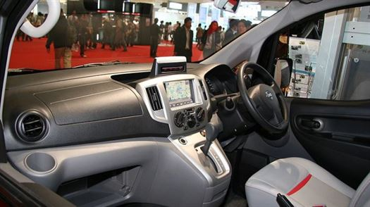 nissannv200-internal