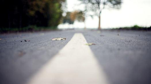 street_road_marking_middle_paint_asphalt_driving_surface-889103