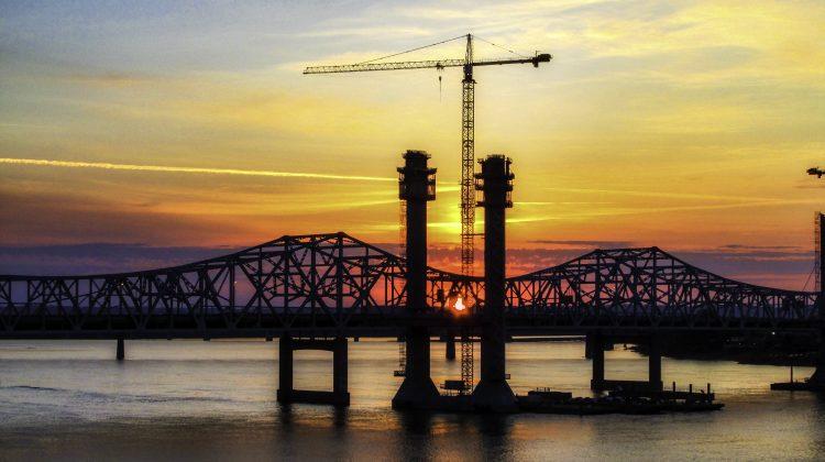 bridge-and-sunset-in-louisville-kentucky