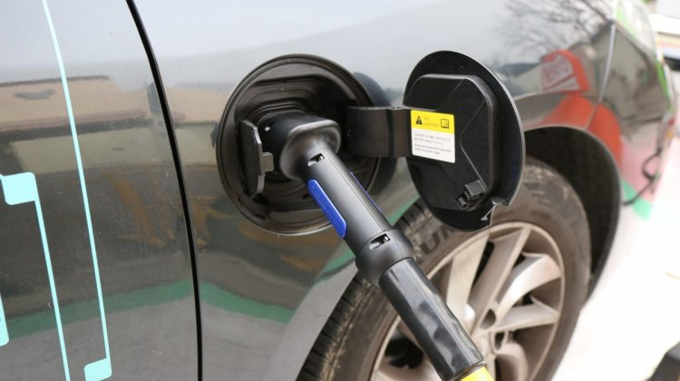 electric_cars_charging_concent-1057873.jpg!d